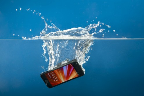 I dropped my iPhone in water how to prevent water damage